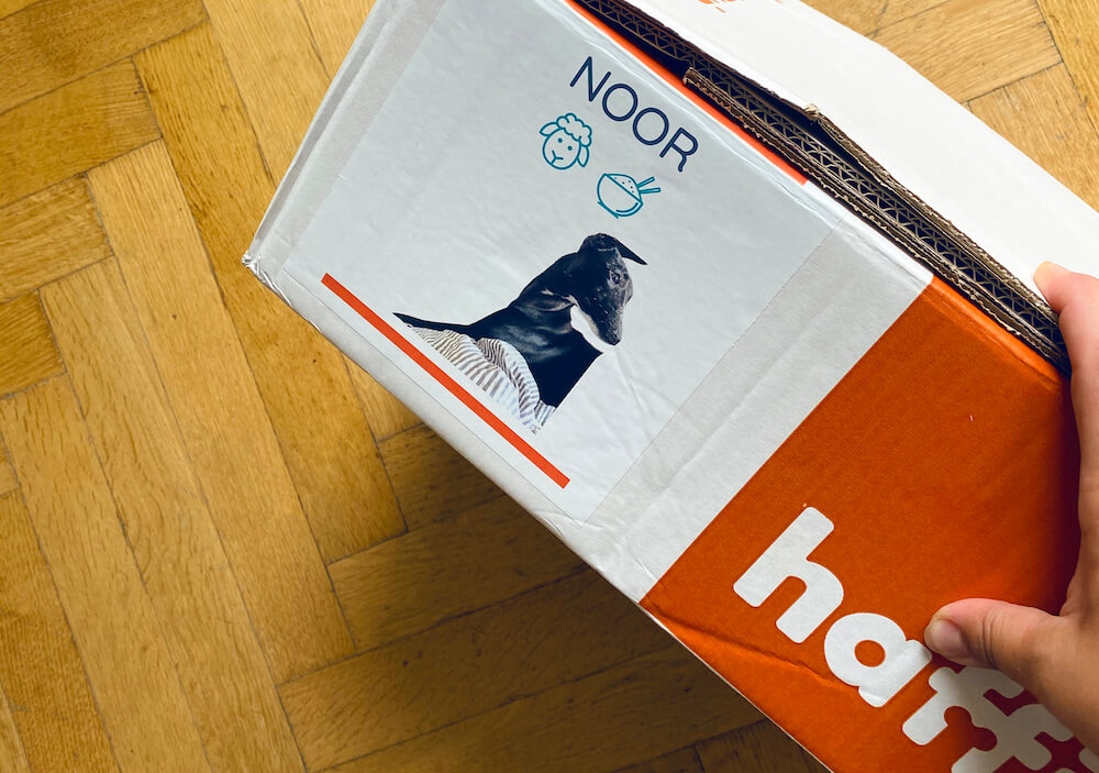 Haffit krmivo recenze: zásilka od Haffit s fotkou a jménem pejska